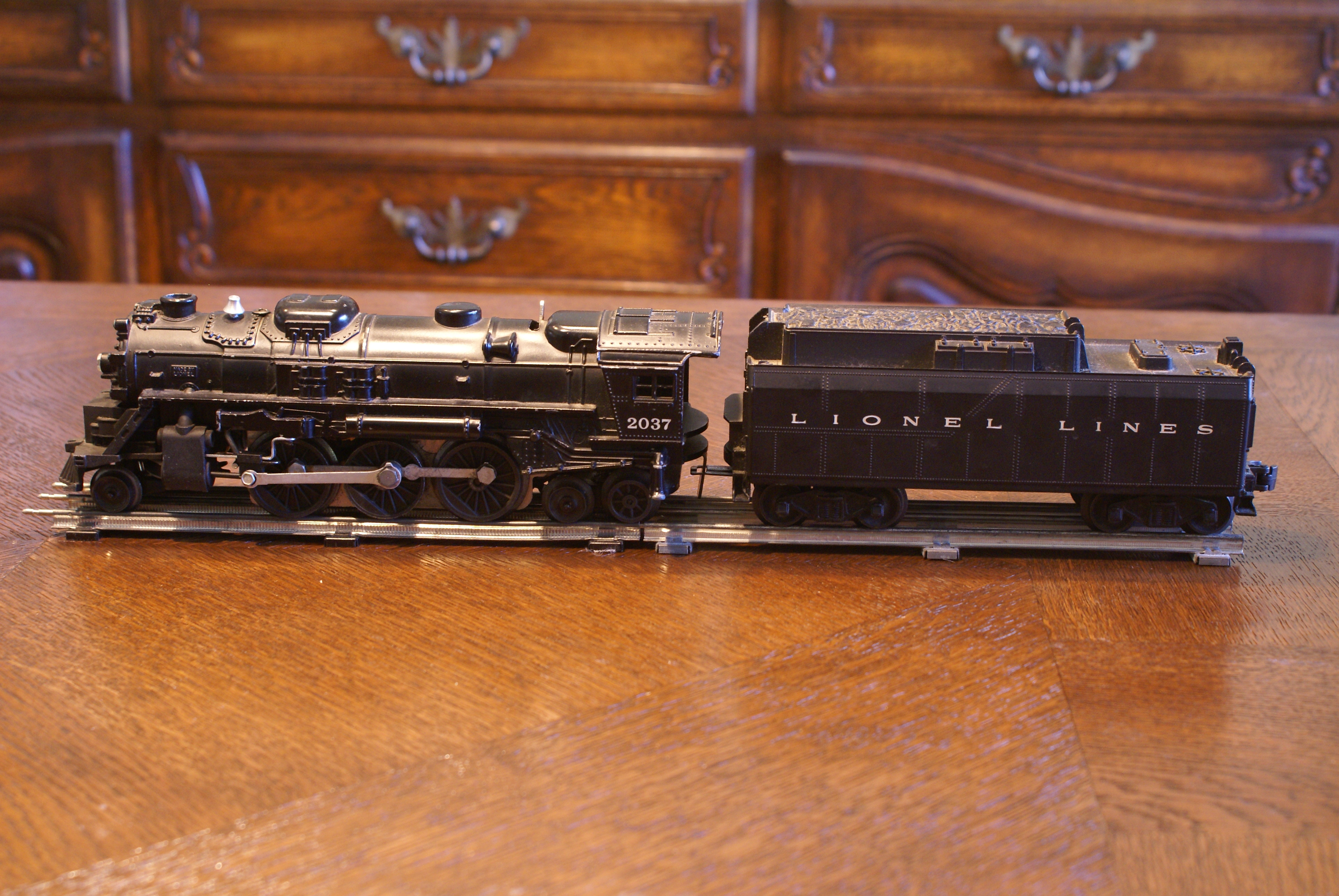 Vintage Lionel Black Steam Engine and Tender O27 Scale Electric Model Train Toy