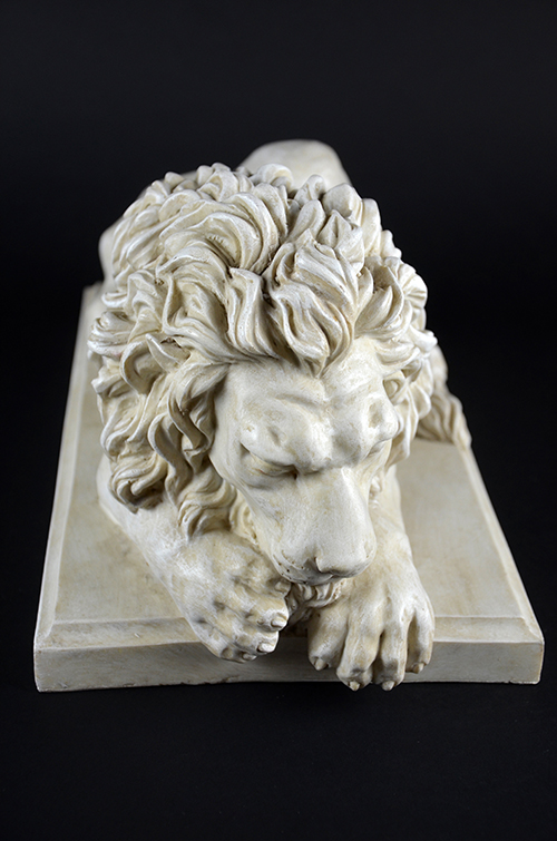 Pair of Resin Lion Figurines Statues Regal Museum White Greek Roman Marble Stone